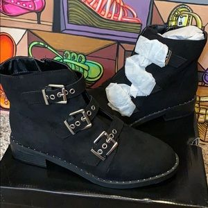 Brand new buckle boots